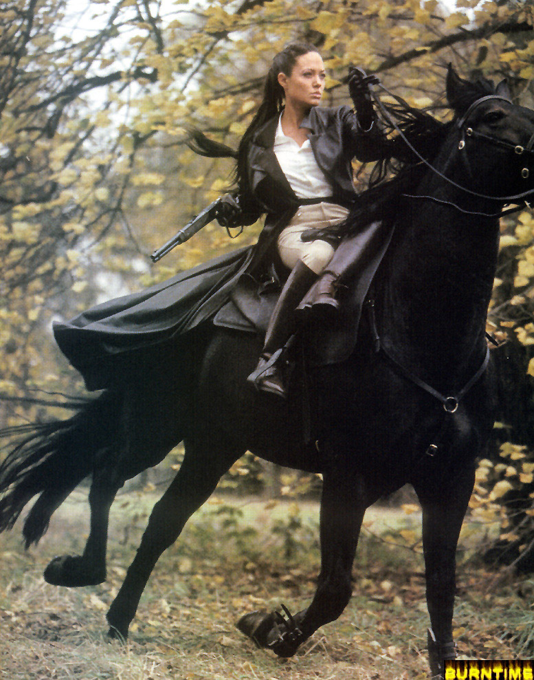 lara croft with horse